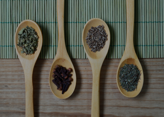 5 herbs that you need in your medicine cabinet right now